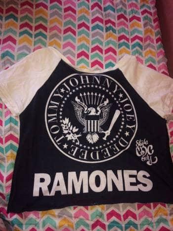 Camisa Ramones negra