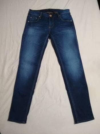 Jeans Chevignon ORIGINAL  con desgastes