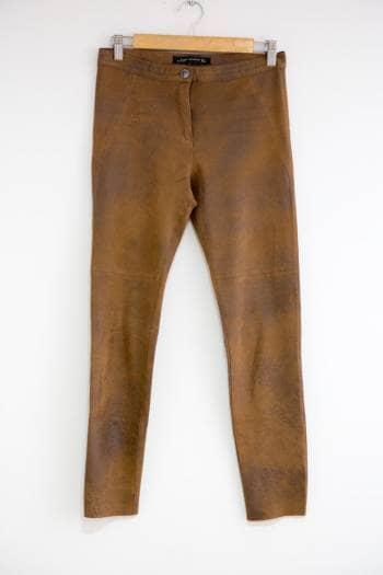 Pantalón delgado