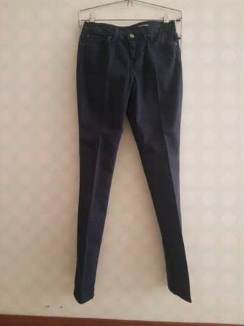 Jean azul oscuro vestidor