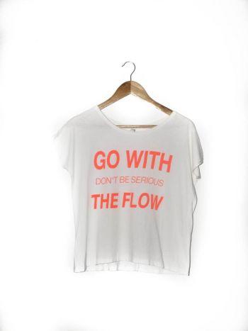 Camiseta con estampado en frase